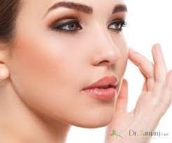 در چه زمان هایی باید به پزشک متخصص پوست مراجعه کرد و چه کارهایی می تواند انجام دهد؟