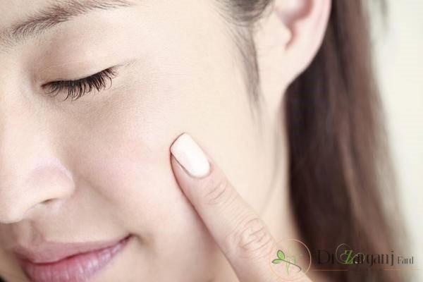سن بالای 18 سال برای تزریق چربی صورت: