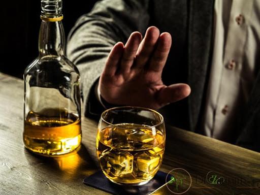 مصرف غذاهای تند و الکل بعد از شست و شوی صورت پس از میکرونیدلینگ