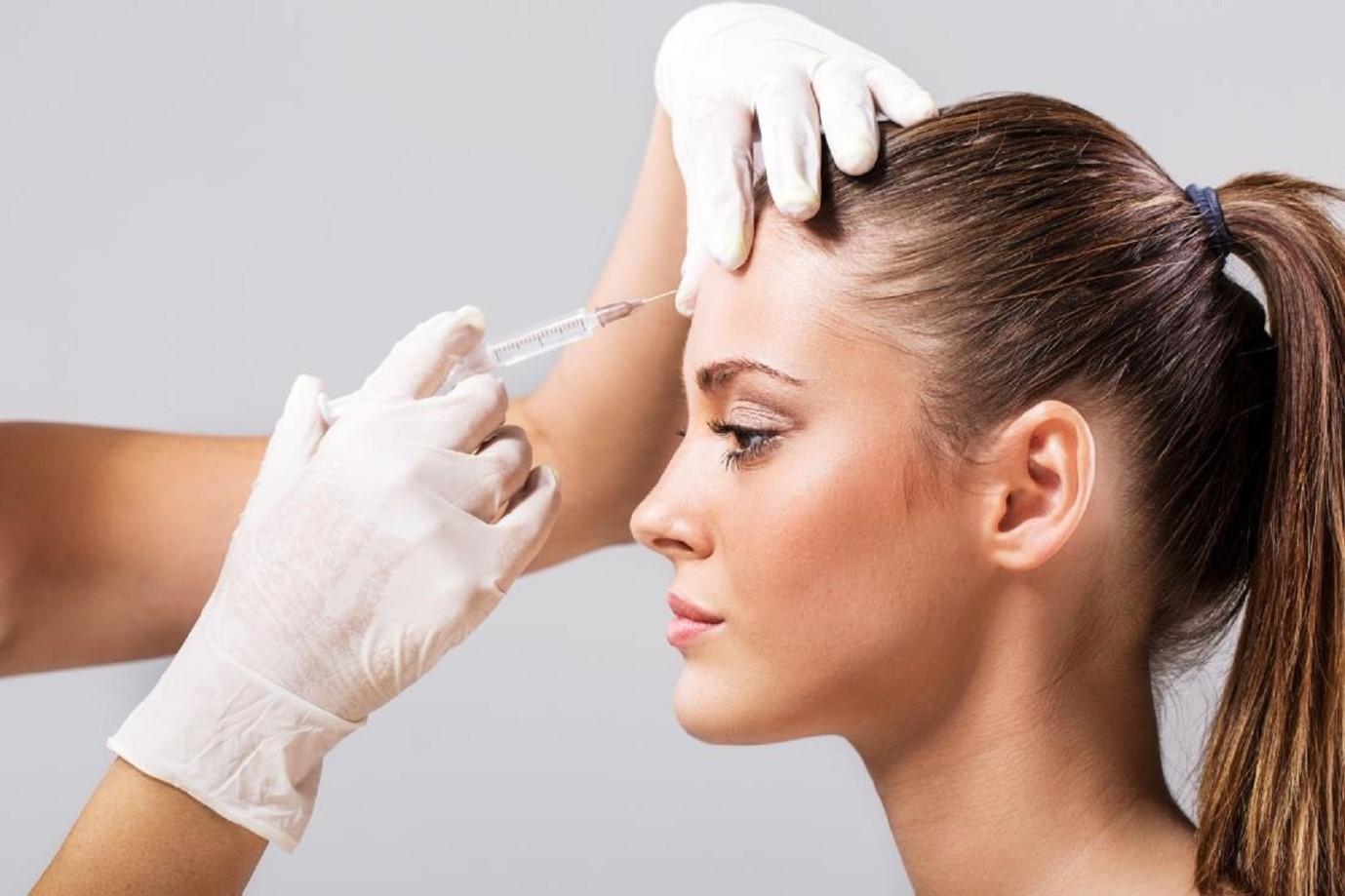 تزریق چربی به اجزای صورت تقریبا یک ساعت در هر جلسه زمان نیاز دارد