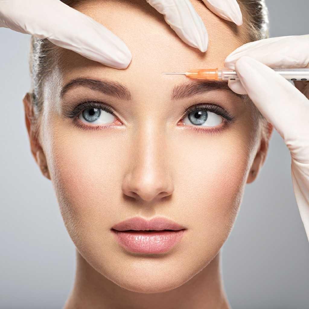 خط اخم باعث می شود که چهره فرد عبوس و عصبی به نظر برسد