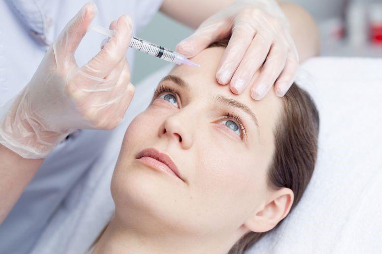 آیا تزریق چربی به ناحیه پیشانی درد دارد؟