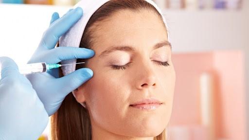 موهای صورت خود را قبل از تزریق اصلاح کنید