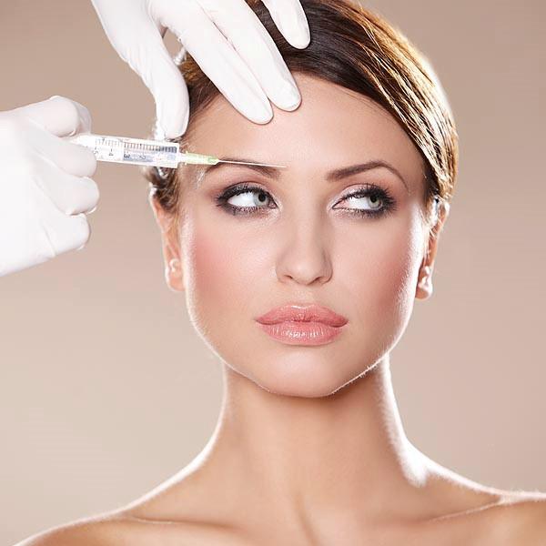 چه انتظاری می توانیم از کلینیک زیبایی پوست داشته باشیم؟