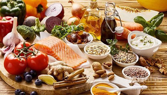 چند ماده غذایی پرکالری و پرچربی که شما می توانید در برنامه غذایی خود قرار دهید شامل موارد ذیل است: