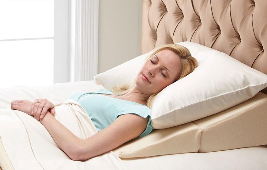 نحوه ی خوابیدن بعد از عمل تزریق چربی به سینه چگونه است؟