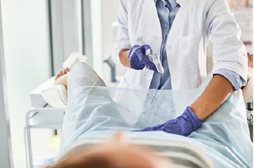 به دلیل وجود ویروس HPV تغییرات بسیار زیادی را در سطح دهانه رحم شروع می کند