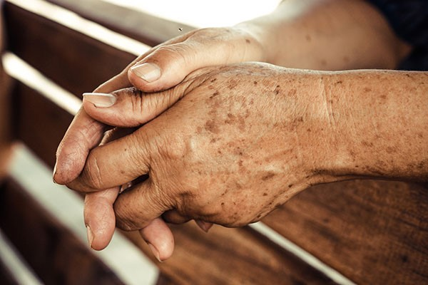 اگر ما دست هایمان را مداوم در شرایط سختی قرار دهیم