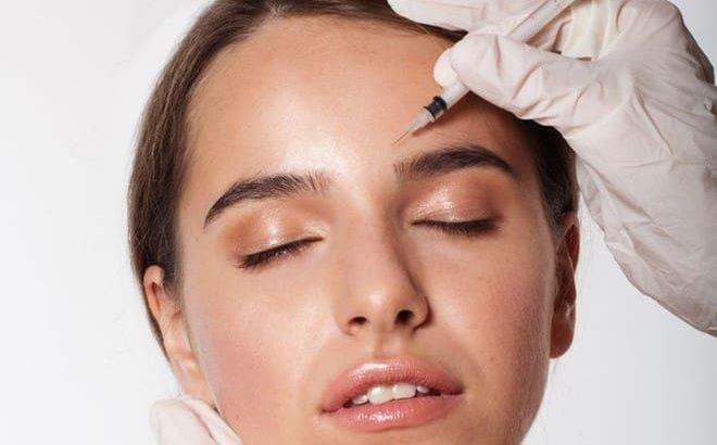 ممکن است پس از تزریق بوتاکس، سردرد و افتادگی پلک را هم تجربه کنید