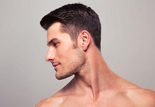 در زاویه سازی صورت، عمده تغییرات روی فک فرد و استخوان های گونه و چانه صورت می گیرد